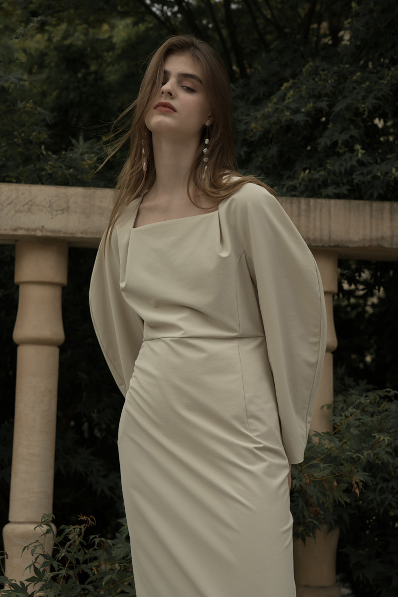MODENA SQUARE NECK DRESS ASH BEIGE