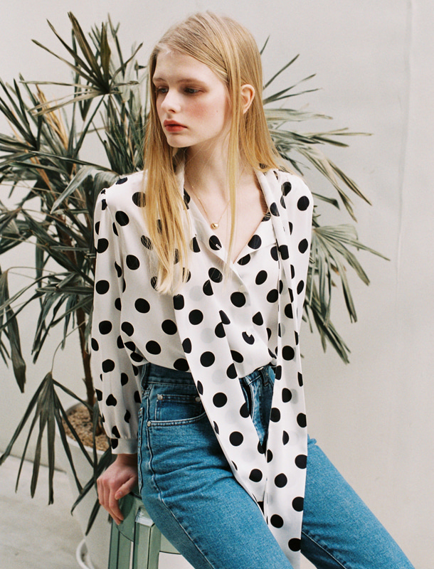BIG DOTS TIE BLOUSE WHITE